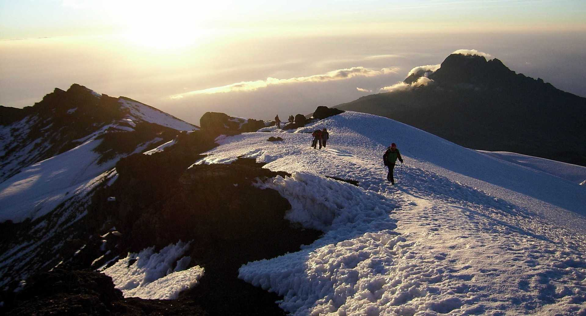 Mountain Kilimanjaro Wallpapers Images Photos Pictures Backgrounds