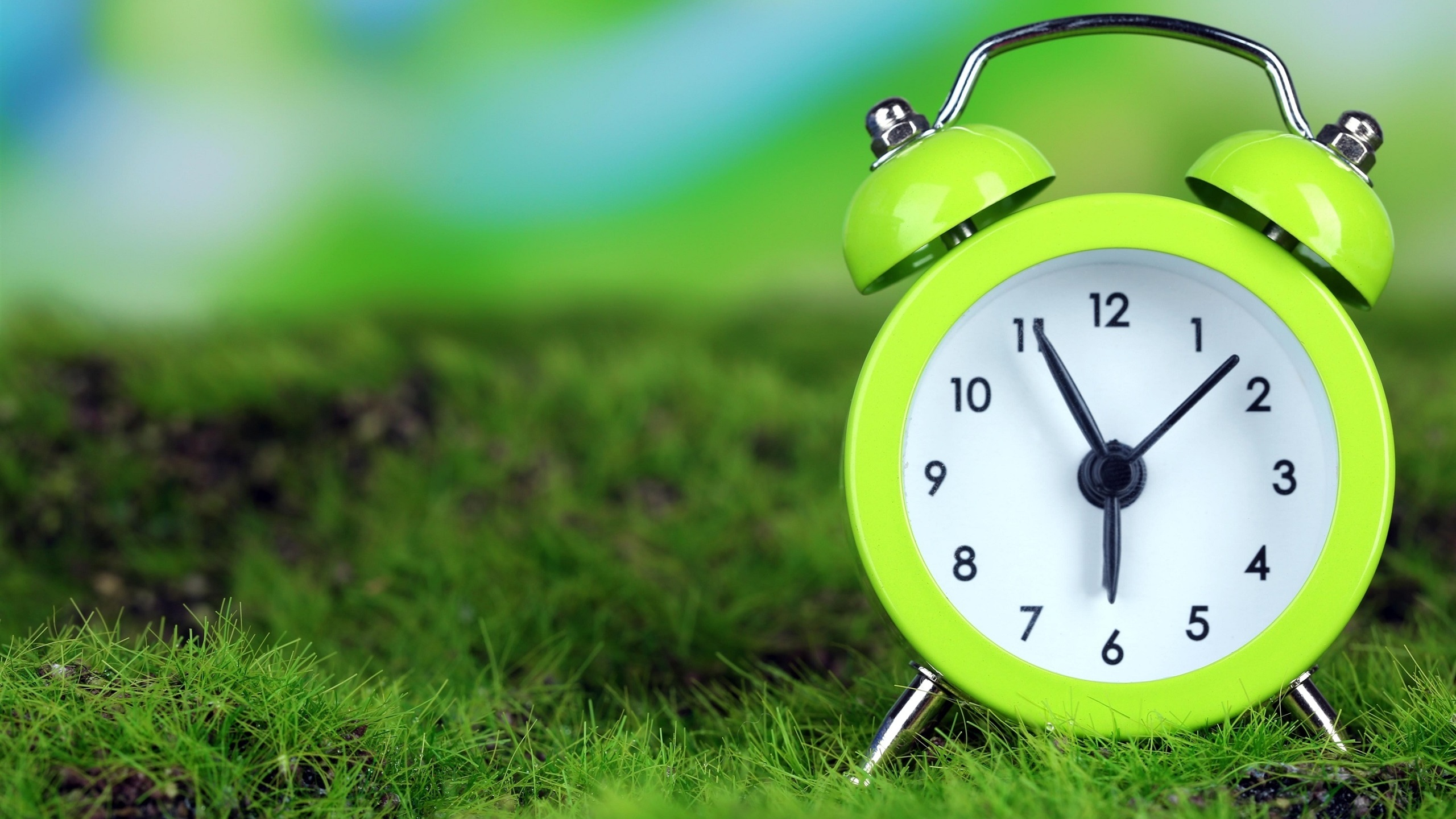 ... Wallpaper's Collection (39) of Vintage Alarm Clock | Nice Backgrounds