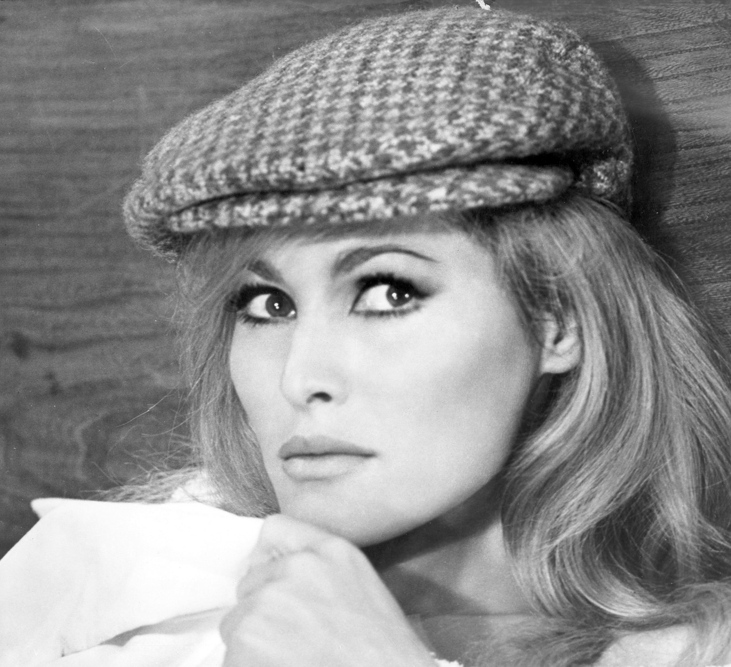 Ursula Andress Wallpapers High Quality | Download Free
