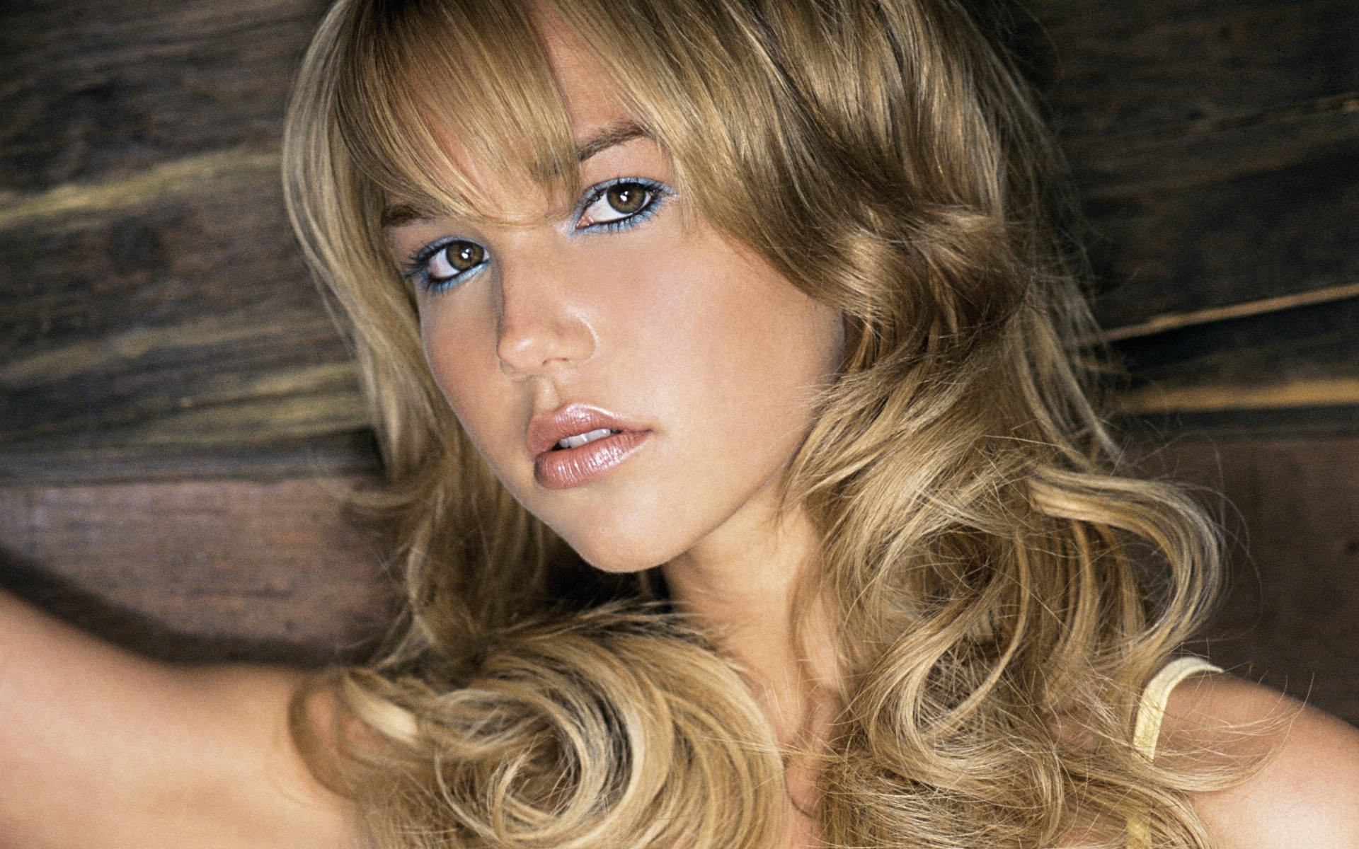 free-arielle-kebbel-wallpaper-22225-22782-hd-wallpapers.jpg