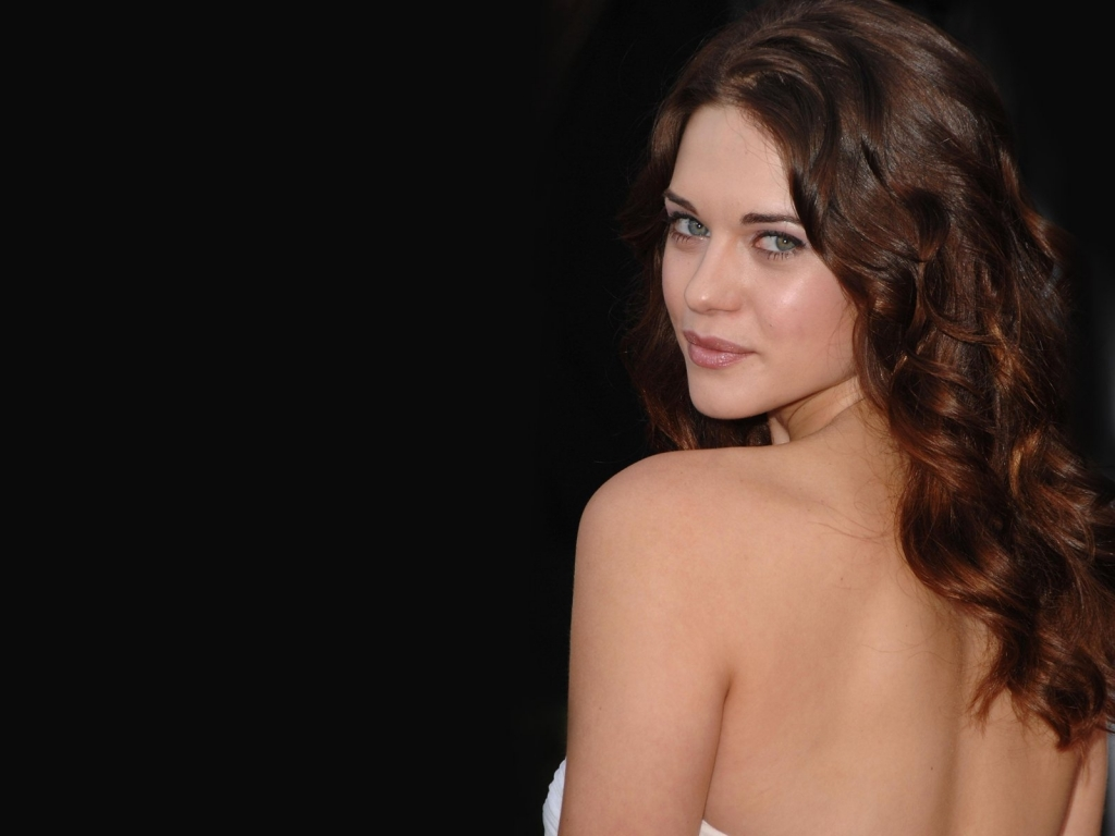 Lyndsy Fonseca Back Wallpapers and Pics - Celebrity Wallpapers ...