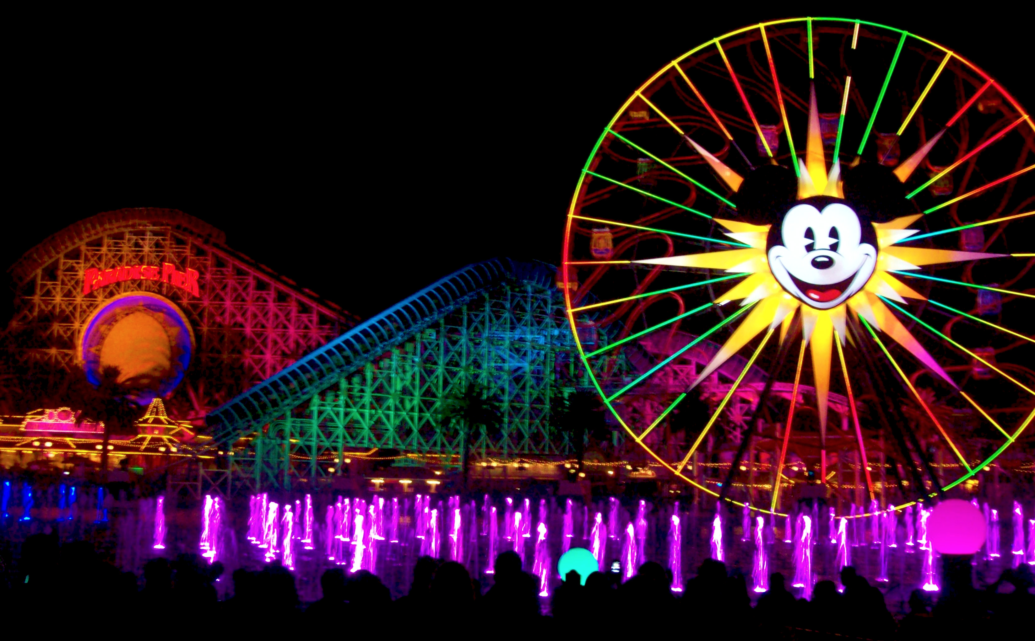 ... in Disneyland (Part 15): World of Color | The Adventures of a Lost Boy
