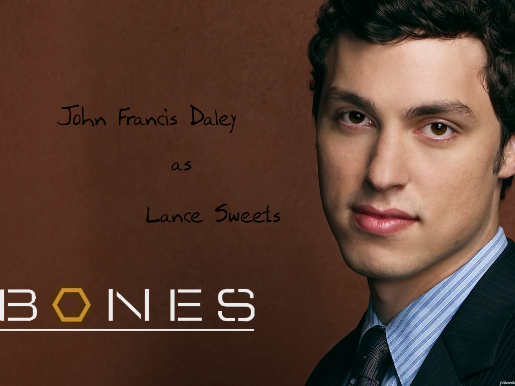 John Francis Daley Photos - John Francis Daley Images: Ravepad - the ...