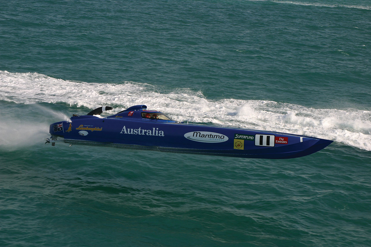 Alf img - Showing > Offshore Powerboat Wallpaper