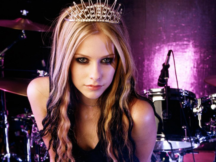 1600x1200 Latest Hot model Avril Lavigne HD wallpapers picture gallery 2012 ...