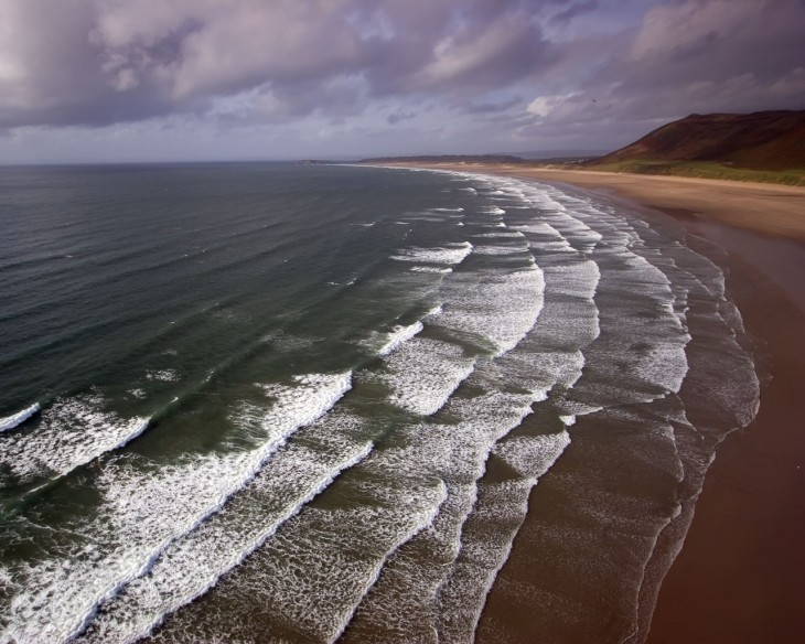 1280x1024 Desktop wallpapers of ocean waves breaking on Rhossili Beach on the ...