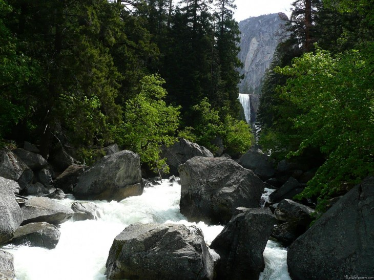 1601x1200 Vernal Falls in the Distance