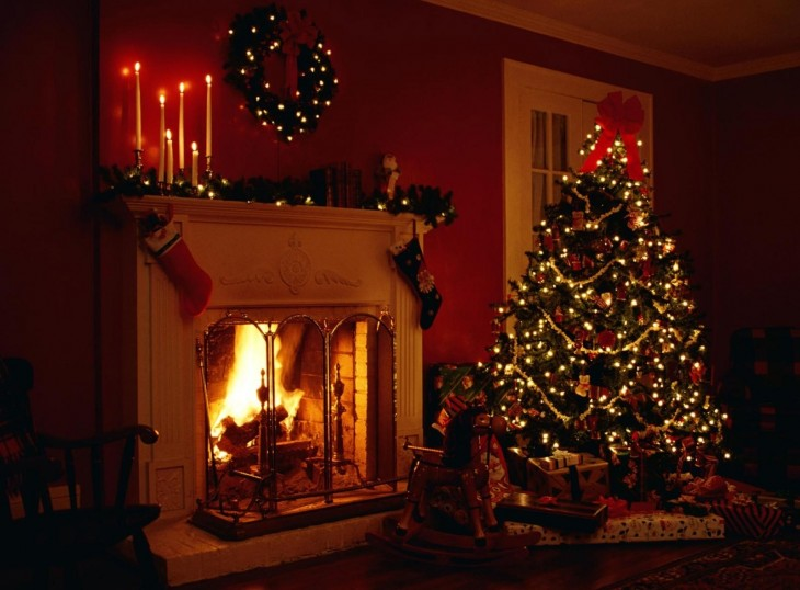 1600x1180 Christmas Tree And Fireplace Wallpapers Pictures to pin on Pinterest